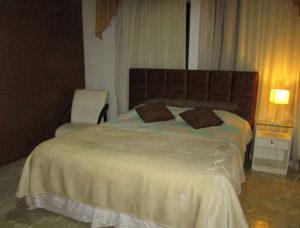 Quarto de casal do hostel (Foto Panorama do Turismo)