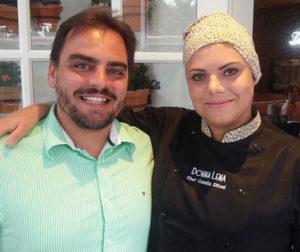 Emanoel Fonseca Júnior e Camila, anfitriões da Quinta da pizza