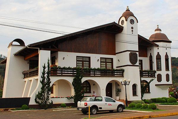 Prédio da Prefeitura (Fotos Panorama do Turismo)