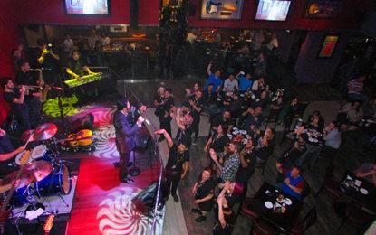 Agente de viagens no Hard Rock Café Curitiba