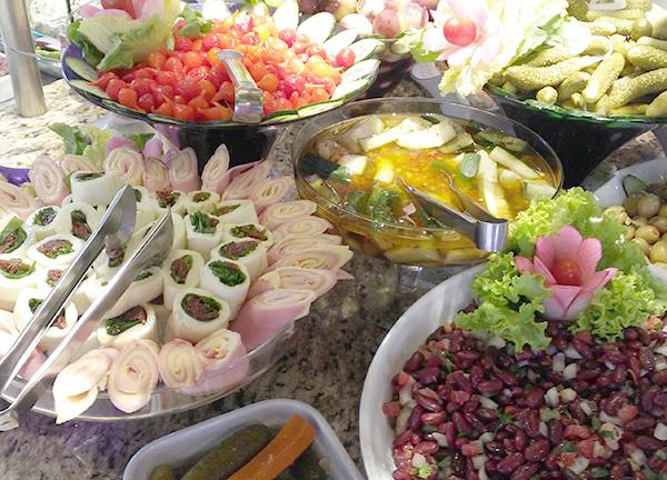 Saladas, para a entrada (Foto Panorama do Turismo)