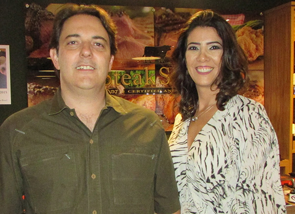 Denis e Mariângela Albuquerque, casal proprietário do endereço (Fotos Panorama do Turismo)