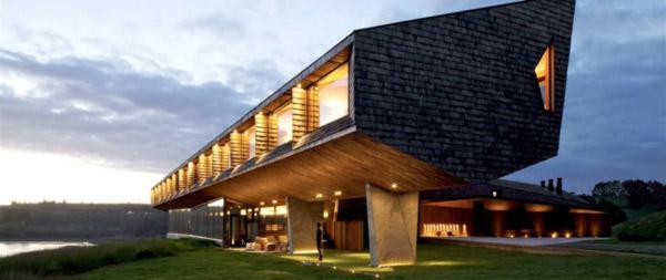 Numa das ilhas do arquipélago de Chiloé, o imponente hotel spa