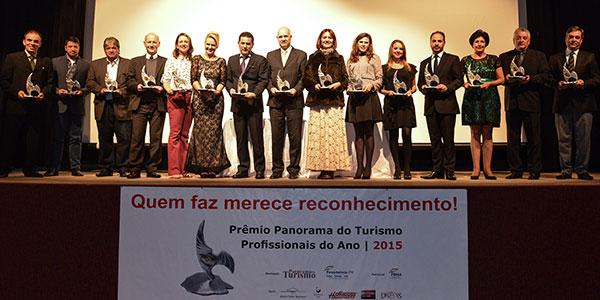 Grupo de vencedores da edição anterior (Foto Divulgação)