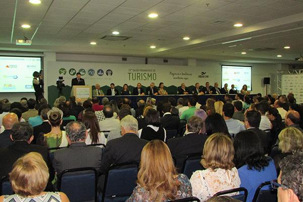 Plateia da abertura do evento (Fotos Panorama do Turismo)
