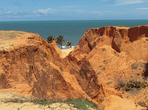 Falésias, paisagem singular (Fotos Panorama do Turismo)