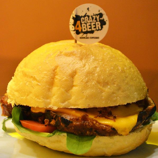 Coluna Boa Mesa & Cia por Júlio Cézar Rodrigues: Porchetta burger, boa pedida (Foto Divulgação | TipComm Comunicação)