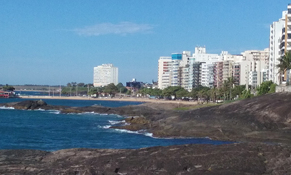 Novo Eco Turismo econômico: Costões à beira-mar