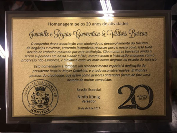 Coluna Volta ao Mundo por Nelci Seibel: 20 anos do Conventions e Visitours Bureau de Joinville
