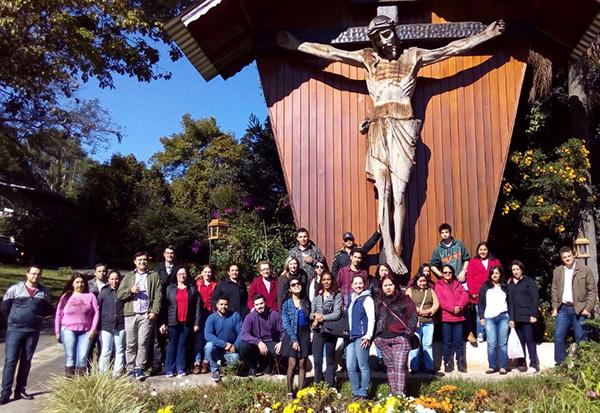 O grupo, em Treze Tílias (Foto Divulgação)