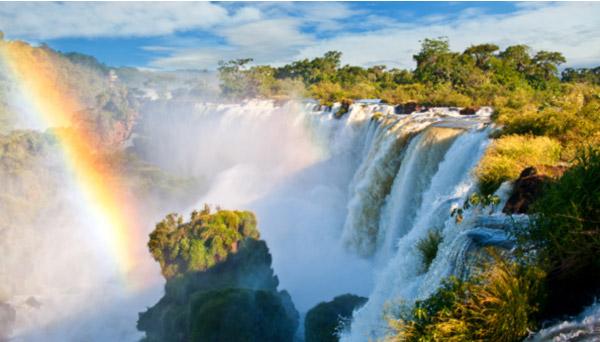 Coluna Volta ao Mundo por Nelci Seibel: O incrível efeito das águas em Foz do Iguaçu