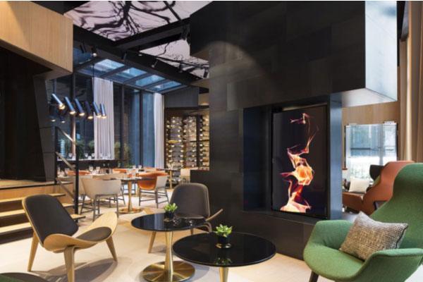 Coluna Volta ao Mundo por Nelci Seibel: Le Cinq Codet hotel em Paris