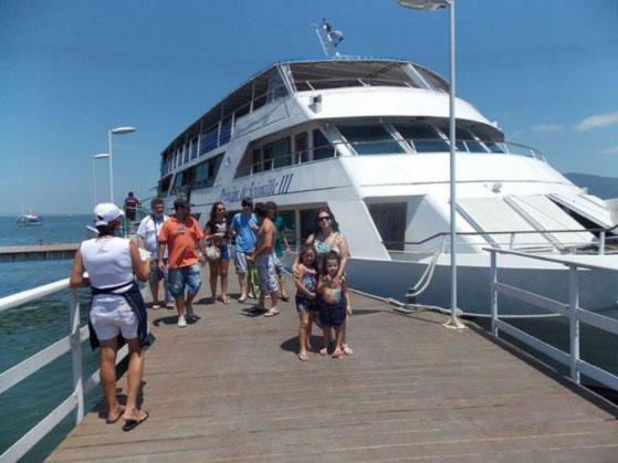 """: Passeio no barco """"Príncipe de Joinville"""" pela Baía Babitonga, ótimo programa"""