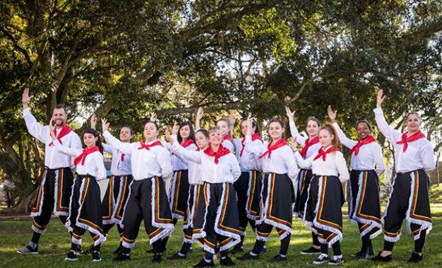 Grupo gaúcho dança nos palcos da Disney