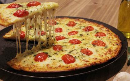 Pizzaria abre no reinado de Momo