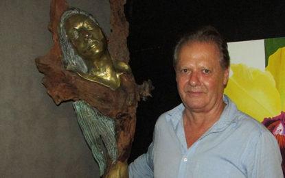 Criador do troféu Top Tur inaugura galeria