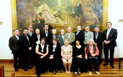 Escritores na academia e catarinense no MTur