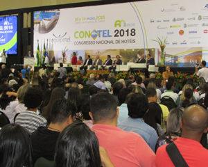 Ministro do Turismo prestigia o Conotel