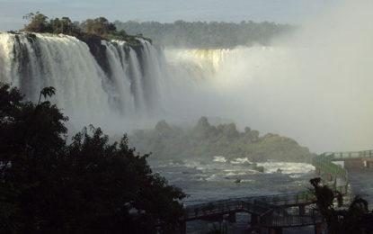 Foz do Iguaçu, destino da revista de junho