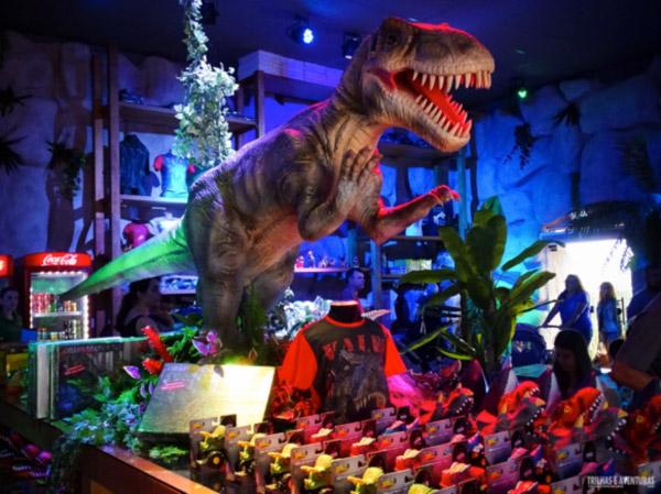 Coluna Volta ao Mundo por Nelci Seibel: Vale dos Dinossauros no Dreamland Foz