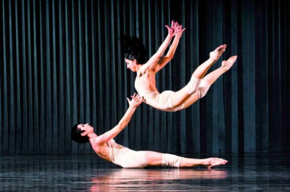 Coluna Volta ao Mundo por Nelci Seibel: Maior festival de dança do mundo em 36ª edição (divulgação)