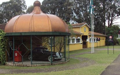 Carros antigos, atração no museu