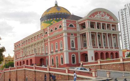 Manaus e arredores surpreendem visitantes