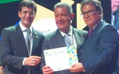 Sampaio homenageado no Prêmio Nacional do Turismo