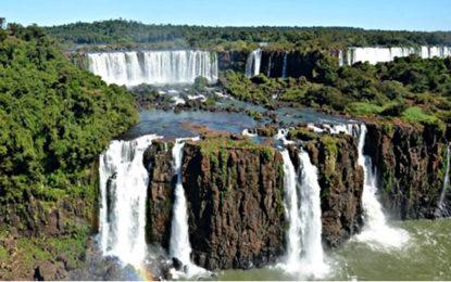 Corte de Momo, CHA Hotéis e Foz do Iguaçu