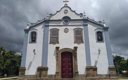 Fé atrai turista a Tiradentes
