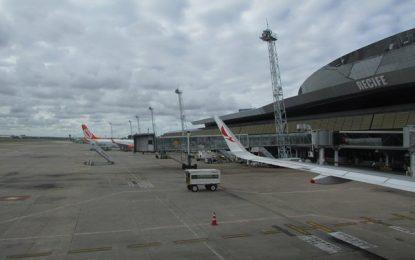 Aeroporto de Recife tem bom movimento